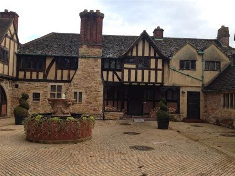 castle bed and breakfast courtyard looked like a movie set picture of hever