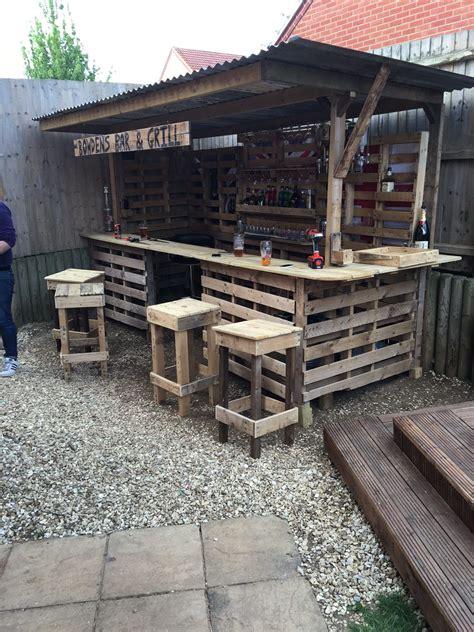 making  ultimate garden bar  pallets garden bar