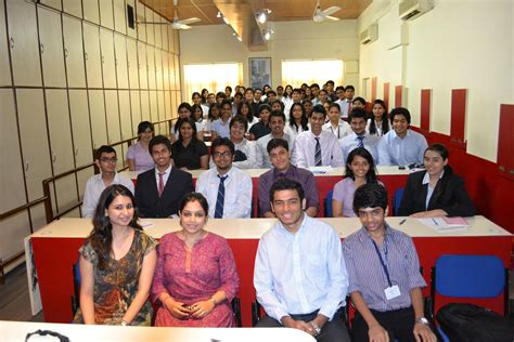 Mba In Hr Colleges In Navi Mumbai by Hr College Of Commerce And Economics Mumbai Admissions