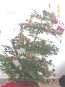Bookshelf Decorating Tips Ugly Christmas Tree 6 Home Amp Garden Do It Yourself