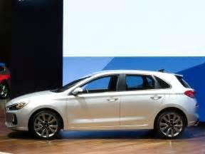 Hyundai Elantra Gr 2018 Hyundai Elantra Gt Unveiled Kelley Blue Book