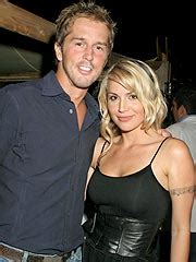 Mike Modano Will Soon Be Sleeping In Nicoles Bed willa ford fortune salaire maison voiture famille