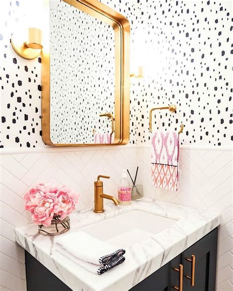 wallpaper in bathroom ideas 25 best ideas about bathroom wallpaper on