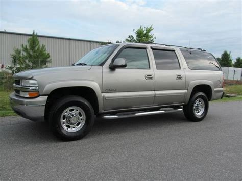 all car manuals free 2006 chevrolet suburban 2500 interior lighting service manual how to wire a 2000 chevrolet suburban 2500 coil connector for 2000 2006 chevy
