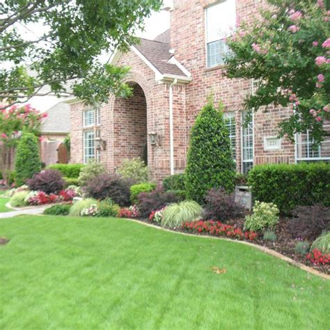 foundation plants for front yard 1000 images about foundation plantings on