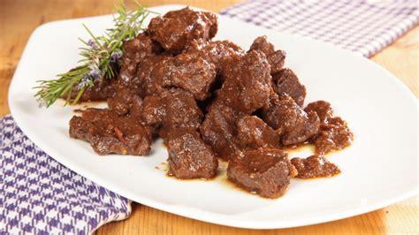 cucinare il cinghiale ricette ricetta cinghiale alla cacciatora con marinatura cookaround