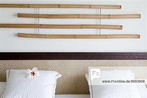 kopfteil kissen wand bambus dekoration h 228 ngen an der wand 252 ber kopfteil wei 223 e