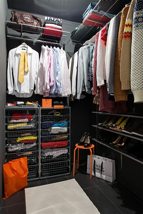 Closet Configurations by Walk In Closet Configuration Interior Design Ideas