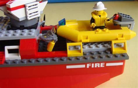 lego city yellow boat lego city 7207 fire boat i brick city