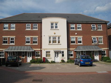 2 bedroom house in slough for rent 3 bedroom house to rent in slough 3 bedroom terraced
