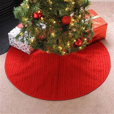 knitted christmas tree skirt pattern a knitting blog red knit tree skirt christmas cheer pinterest