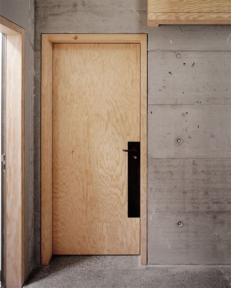 Plywood Closet Doors by 25 Best Ideas About Hotel Door On Hotel