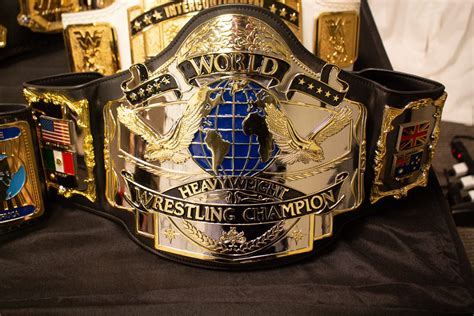 iconic classic championship belts  display  starrcast