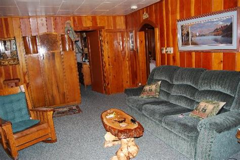 front picture of rustic wagon rv cground cabins