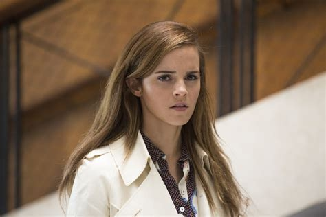 hermione granger in the 1st movoe first look emma watson in disney s live action beauty