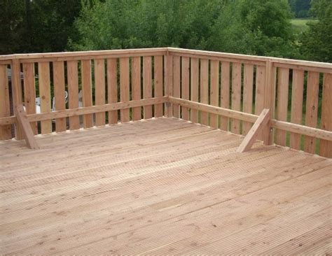 terrasse quer oder längs terrassen und terrassendielen aus holz und wpc und kiel