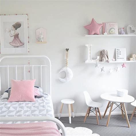 decorations for a girls bedroom best 25 simple girls bedroom ideas on pinterest girls