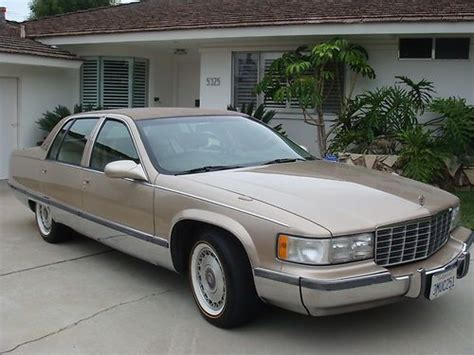1995 cadillac fleetwood brougham sell used 1995 cadillac fleetwood brougham sedan 4 door 5