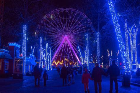 adventure park holiday lights and tell six flags st louis needs couples to set record for the mistletoe