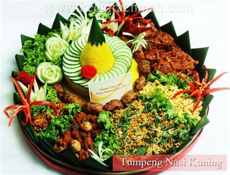 cara membuat nasi kuning bali tumpeng nasi kuning one of indonesian traditional food