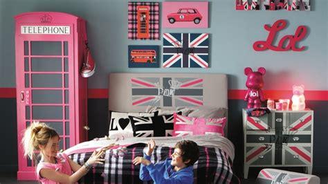 Formidable Couleur Pour Chambre Ado #7: decoration-chambre-ado-british-3.jpg