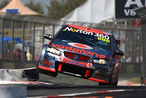 full hd video race 2 aussie v8 supercars race racing v 8 jt wallpaper