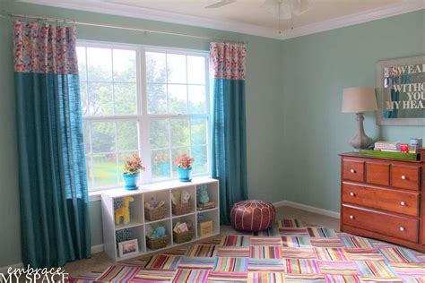 Awesome Feng Shui Living Room Decorating #8: Colorful-Modern-Bedroom-Floor-With-Turquoise-Curtain-Design.jpg