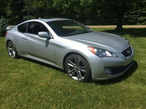 Hyundai Genesis 2 Door by Find Used 2012 Hyundai Genesis Coupe 3 8 Grand Touring