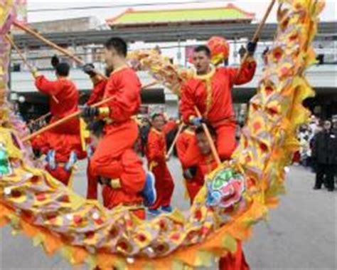 new year parade chicago argyle argyle lunar new year parade uptown united project pengyou