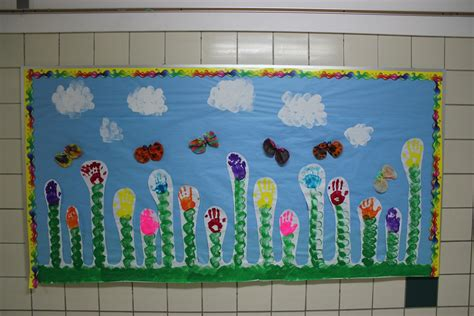 Daycare Wall Murals spring bulletin board inspiration schoolgirlstyle