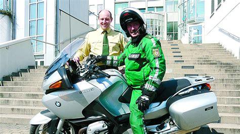 Motorrad F Hrerschein Velbert by Polizei Filmt Raser Auf Zwei R 228 Dern Lokalsport