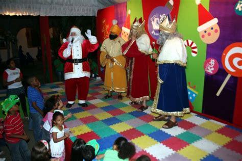 imagenes de los reyes magos y santa clos expo kids feria de navidad con santa y los reyes magos