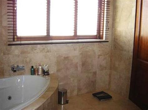 pistorius bathroom oscar pistorius inside the bathroom where blade runner shot girlfriend reeva