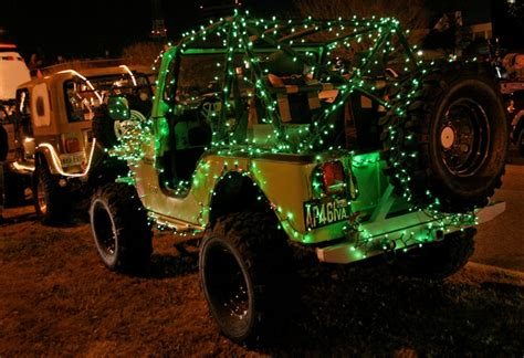 jeep christmas lights christmas jeep christmasjeep jeepwrangler jeep cars