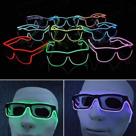 Kacamata Unik kacamata unik led jadikan pesta konser lebih seru