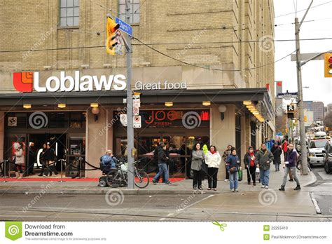 loblaws at maple leaf gardens opens to fanfare loblaws grand opening in maple leaf gardens editorial