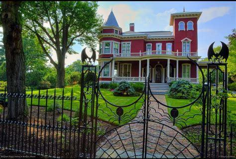Stephen King S House by Stephen King S Home Bangor Maine Pixdaus