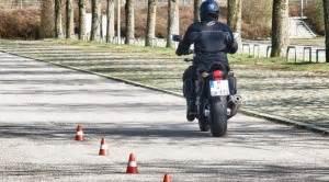 Motorrad Fahrschule Grundfahraufgaben by Grundfahraufgaben Motorrad Der Schrittgeschwindigkeits