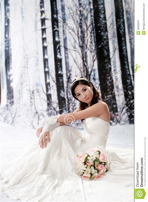 portrait  beautiful young woman  wedding dress royalty