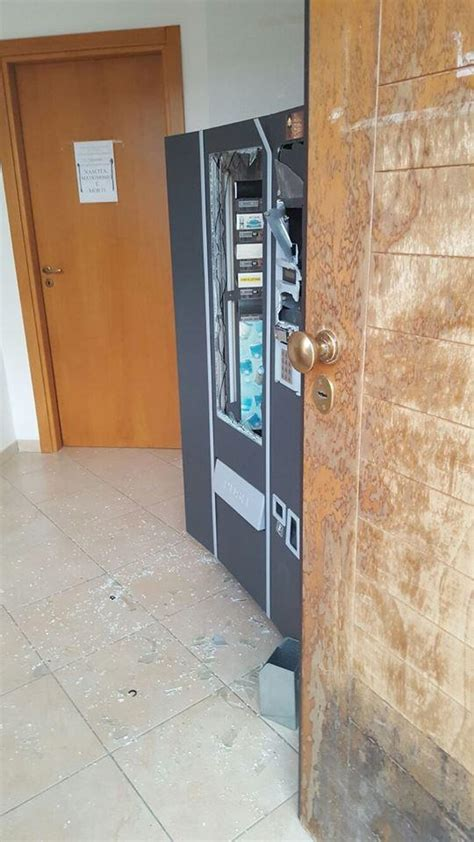 comune di cento ufficio anagrafe cobello vandali nella notte nell ufficio anagrafe