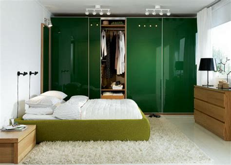 Simple Bedroom Designs For Couples by Simple Modern Bedroom Designs For Couples With Green Bed