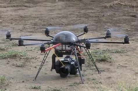 droni volanti droni volanti per riprese sui leoni firmate national