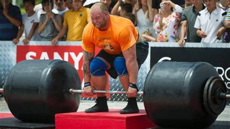 strongest man in the world bench press game of thrones how to train like the mountain from game