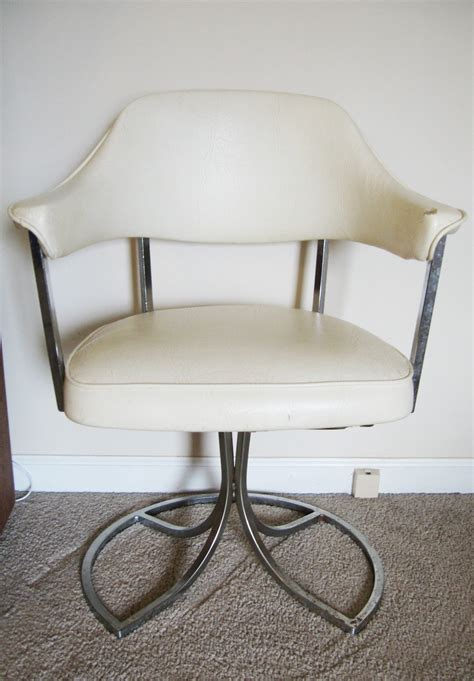 swivel kitchen chairs retro vintage mid century creme vinyl and chrome swivel accent chair