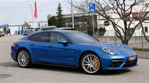 porsche panamera 2017 sunroof 2017 porsche panamera turbo spied alongside the standard model