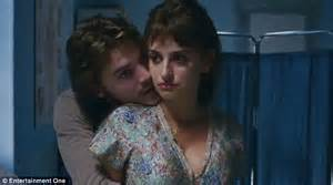 First Years Baby Bathtub Penelope Cruz Attempts To Breastfeed Surrogate Baby In