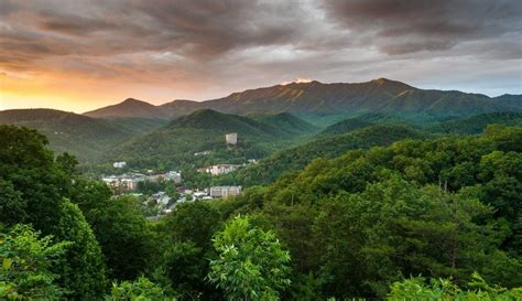 Where To Stay In Gatlinburg Tn Cabins 4 Reasons To Stay In Gatlinburg Tn Cabins 100