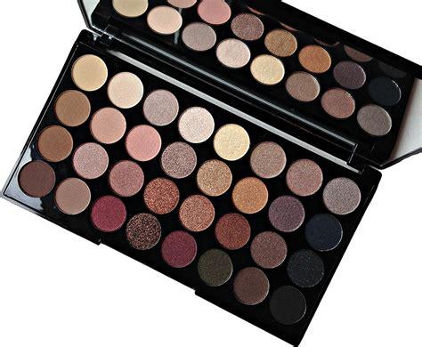 Lipstik Make Palette makeup revolution palette flawless mugeek vidalondon
