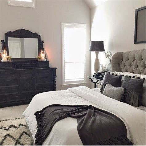 black master bedroom 25 best ideas about grey tufted headboard on pinterest