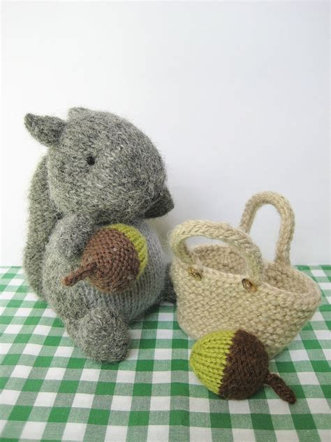 knit and crochet for fall acorns and squirrels free finsbury squirrel with basket of acorns knitting pattern